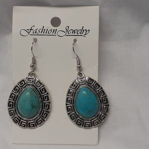 Ladies turquoise drop fashion earrings